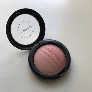 LE MAC MSF Highlighter in Blonde *POPULAR*